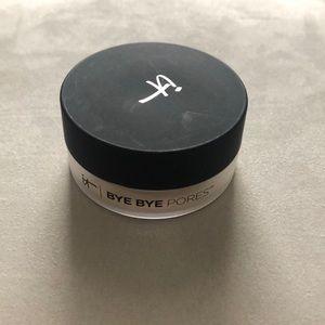 IT Cosmetics Bye Bye Pores Translucent Powder